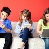 Bambini e media digitali: i pediatri americani ci ripensano e alzano l'asticella